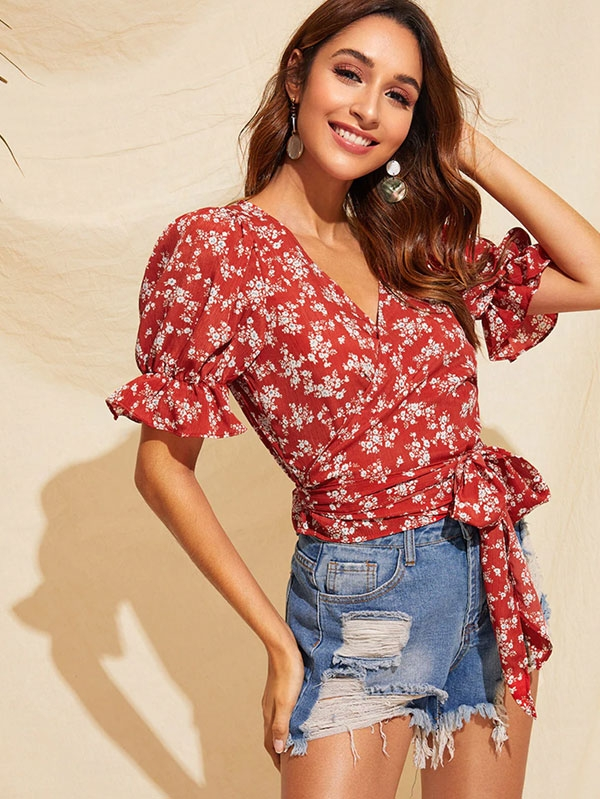 Дамска блуза Ruffle Sleeve Belted Ditsy Floral Top