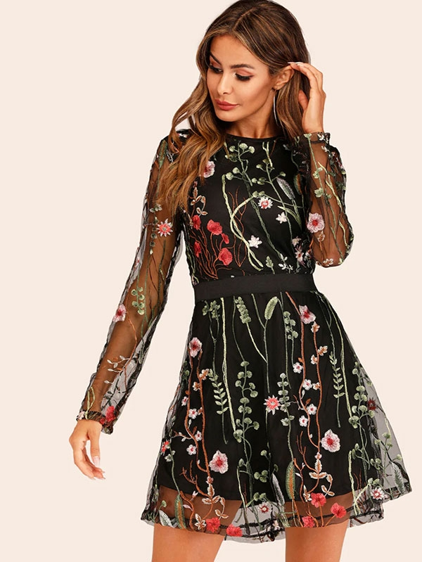 Дамска рокля Embroidered Mesh Overlay Dress