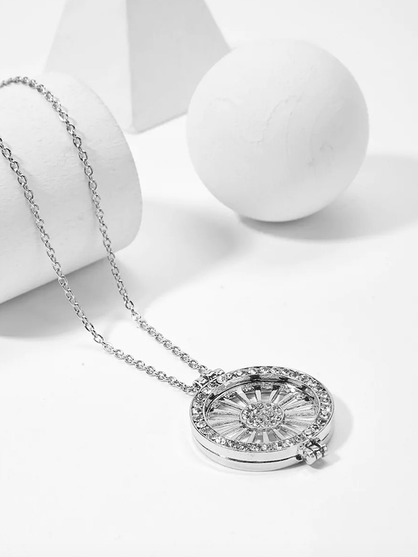 Дамско колие Hollow Rhinestone Round Pendant Chain Necklace