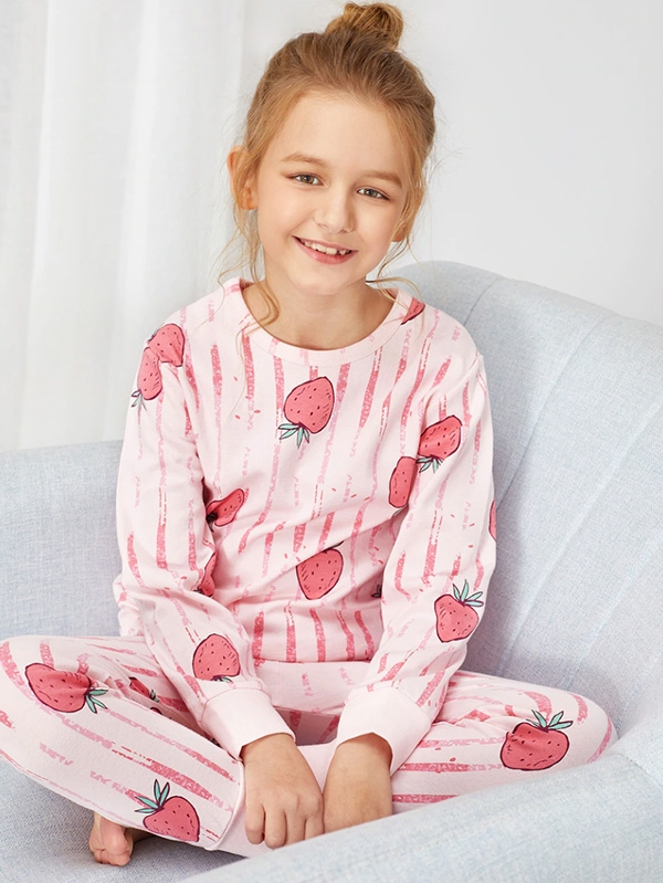Детска пижама ЯГОДКИ Girls Strawberry Print Striped Pajama Set