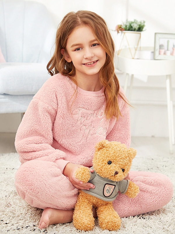 Детска пухкава пижама Girls Letter Embroidered Teddy Pullover & Pants PJ Set