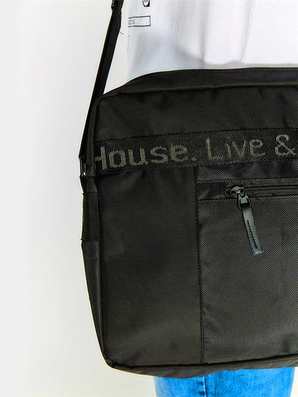 Мъжка чанта Black Square Messenger Bag