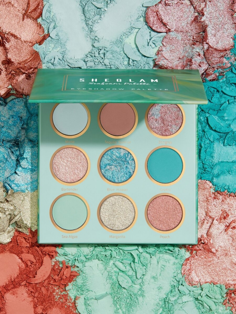 Палитра за очи The SEAFOAM Eyeshadow Palette