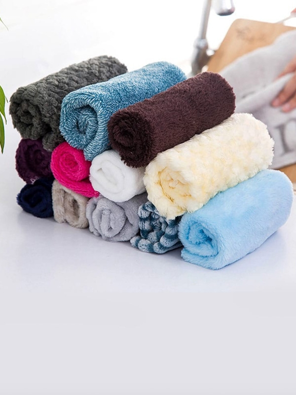 Пухкава кърпа Random Color Fluffy Towel